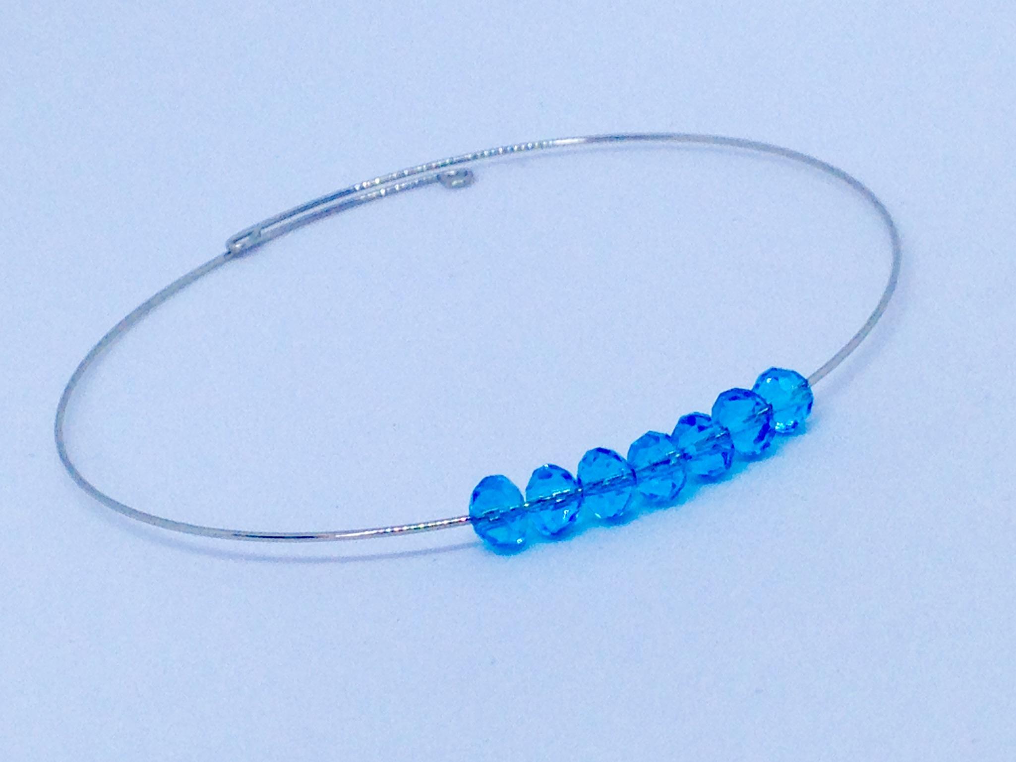 Bracelet chic avec brillants bleus
