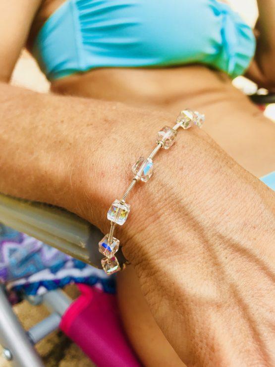 Bracelet cristal avec cubes arc en ciel