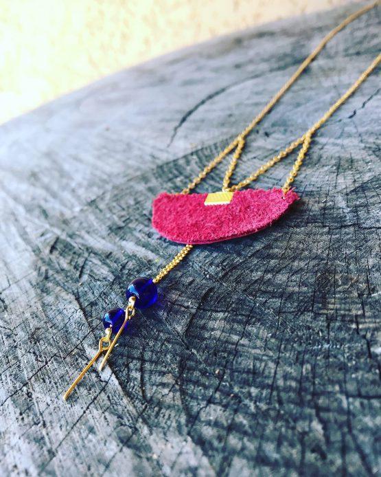 Collier long or rouge et bleu inspiré le Japon