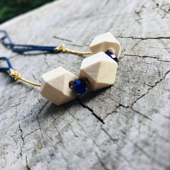 Collier bleu royal Hand made