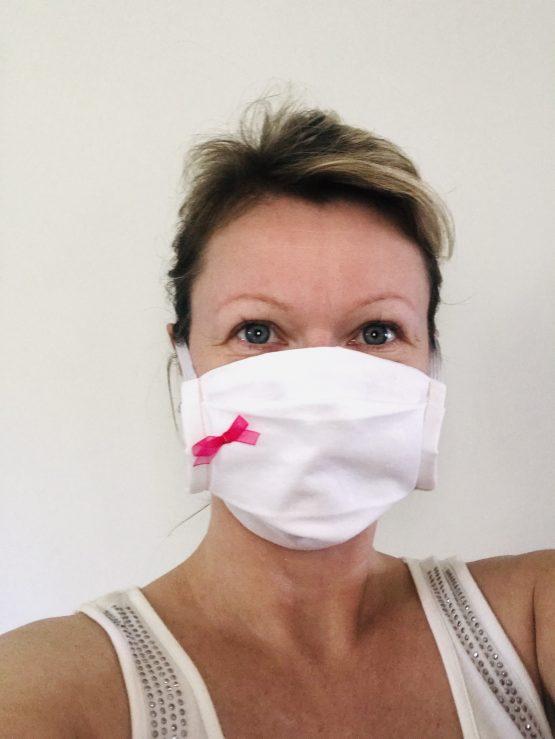 Masque de protection Covid pour femme glamour avec nœud rose