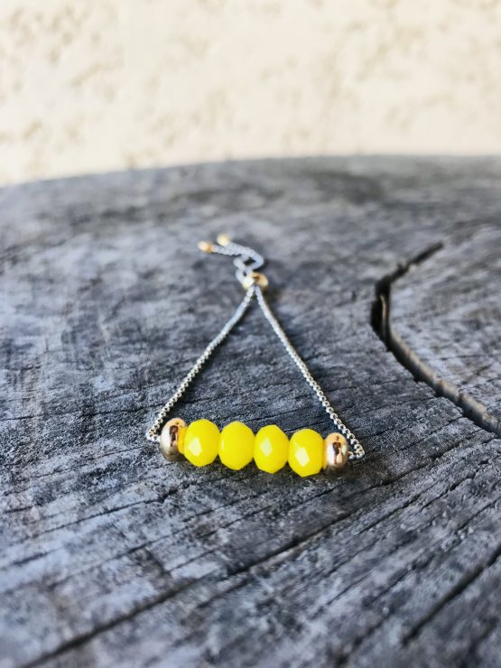 Bracelet ajustable avec perles jaunes soleil mates